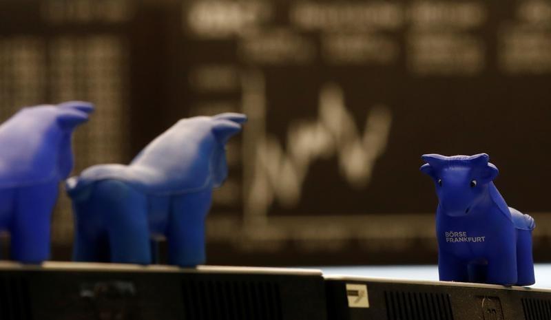 Bolsas da Europa fecham sem sinal único em dia volátil, de olho na inflação e NY