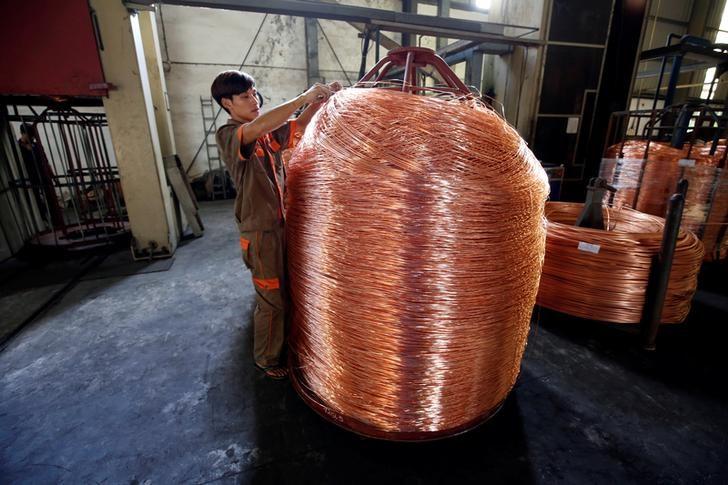 Медь подешевела до минимума за год из-за торгового конфликта между США и Китаем