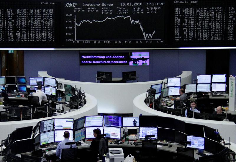 Maioria das Bolsas da Europa fecha em alta após dados de avanço econômico