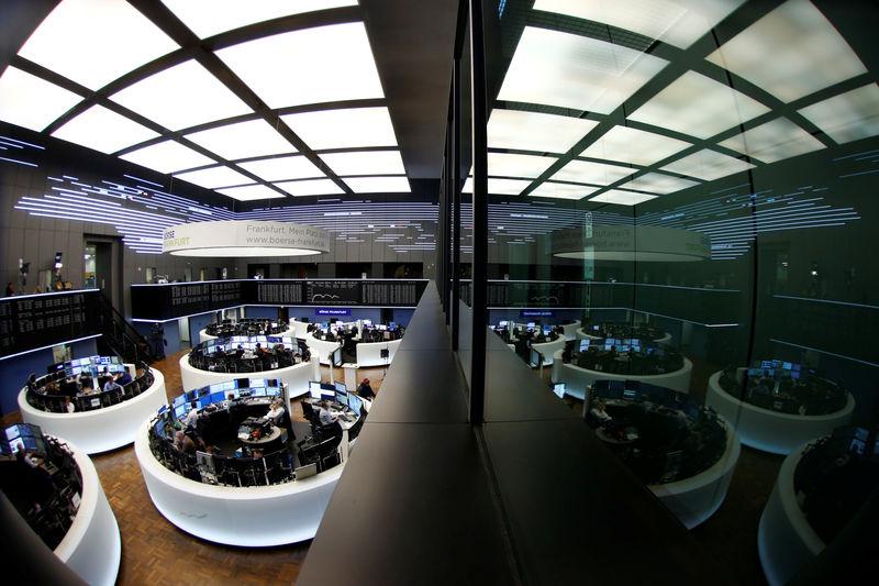 Bolsas da Europa fecham sem sinal único, com indicador CPI dos EUA no radar