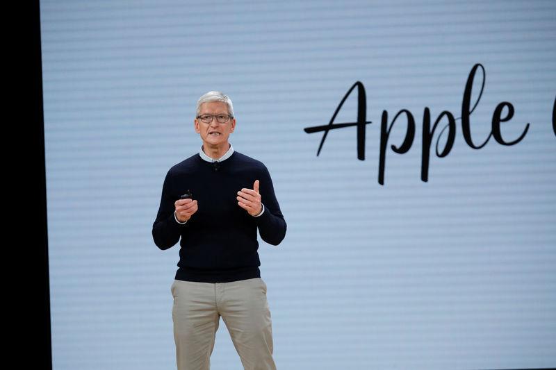 Выручка Apple обновила сезонный рекорд