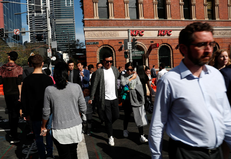 Australia Economy Expands Faster Than Expected on Households