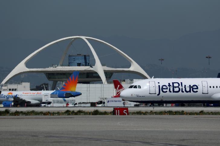 JetBlue, TripAdvisor Fall After Revealing Convertible Debt Sales