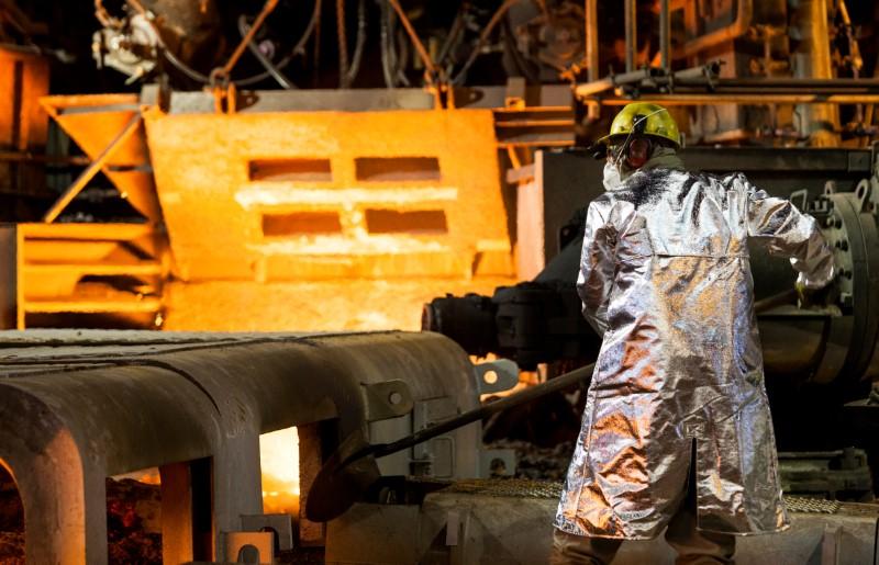 Ações: mineradoras avançam com força nesta manhã; Ibovespa sobe