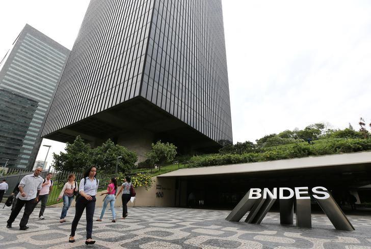 BNDES assina contrato para IPO de empresa de saneamento do RS
