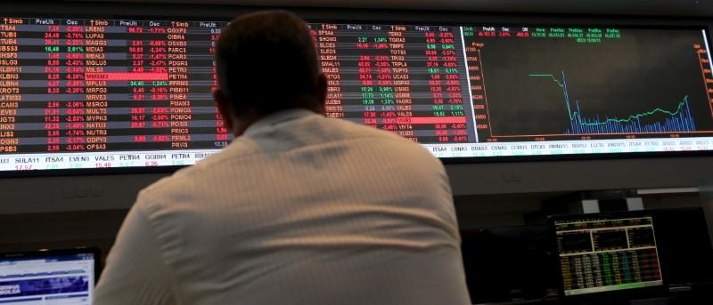 Volume médio diário do Ibovespa atinge R$ 9,96 bilhões, maior valor histórico