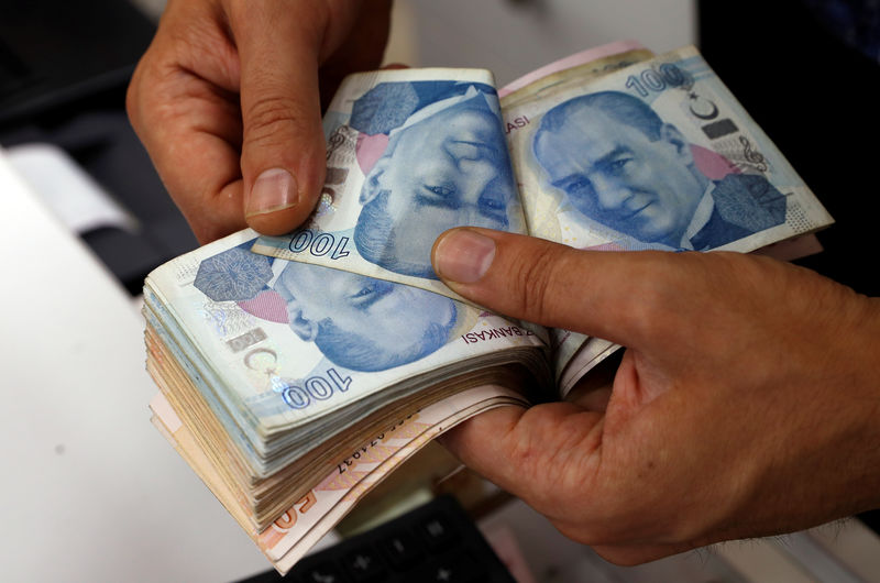 Bankacılık sisteminde krediler ve mevduat azaldı