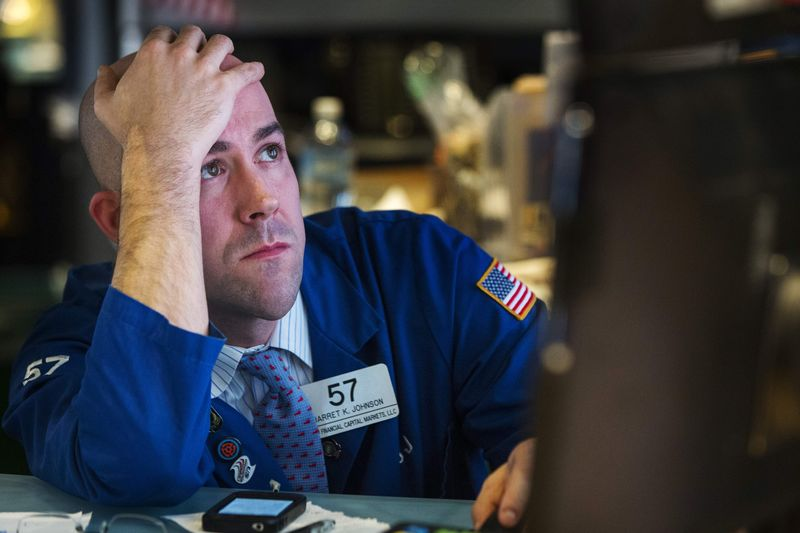 Dow Eases From Record Highs as Investors Back Cyclicals, Dump Tech