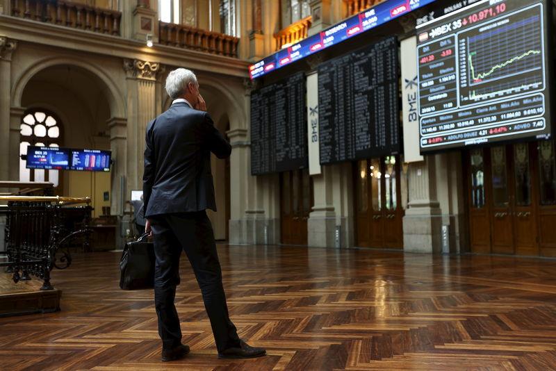 La Bolsa española cae el 0,15 % tras la apertura y frena su asalto a máximos