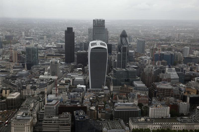 European Stocks Edge Higher; U.K. GDP Helps FTSE Outperform