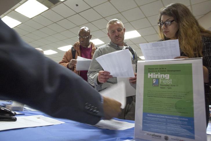 US-Arbeitslosenanträge überraschend stark auf Rekordtief gefallen