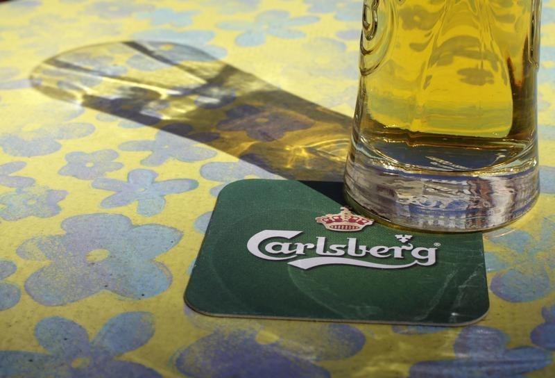 Les actions européennes s'affaiblissent;  Carlsberg lève ses prévisions annuelles