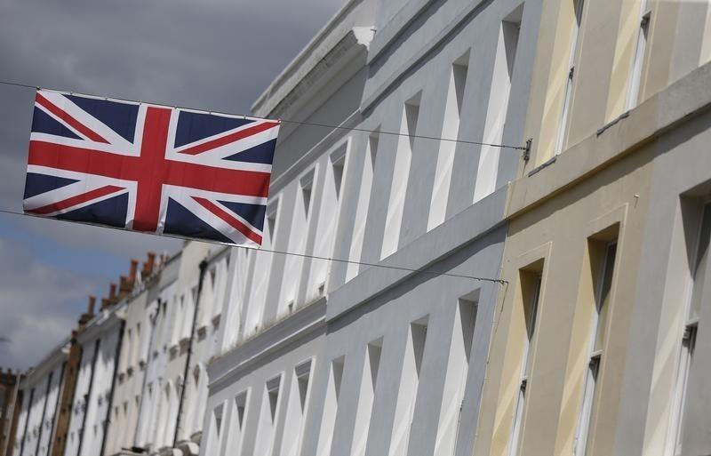 UPDATE 1-UK Stocks-Factors to watch on June 26