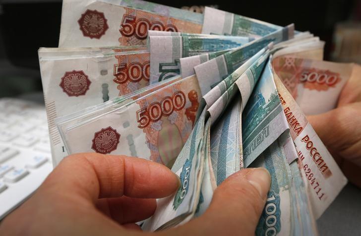 El rublo sube el 0,11 % ante el dólar y el 0,31 % frente al euro
