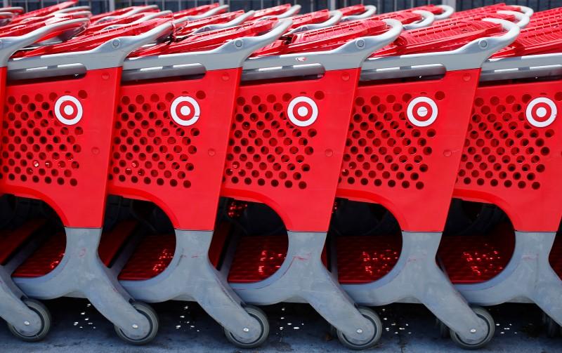 Dow Tương lai giảm hơn 60 điểm; Báo cáo thu nhập của Lowe's, Target gây ấn tượng