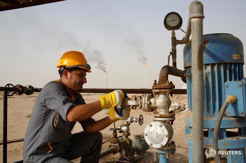 Petrolio in salita dopo le previsioni positive dell'OPEC
