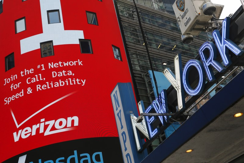 Verizon Gains On Revising Guidance As More Users Flock To 5G