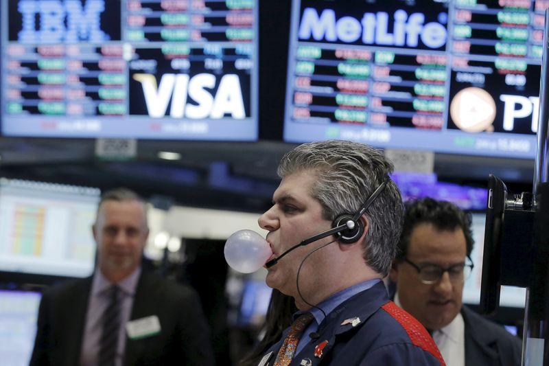 S&P500 tăng điểm khi cổ phiếu công nghệ phục hồi nhưng vẫn còn mối lo ngại về lạm phát