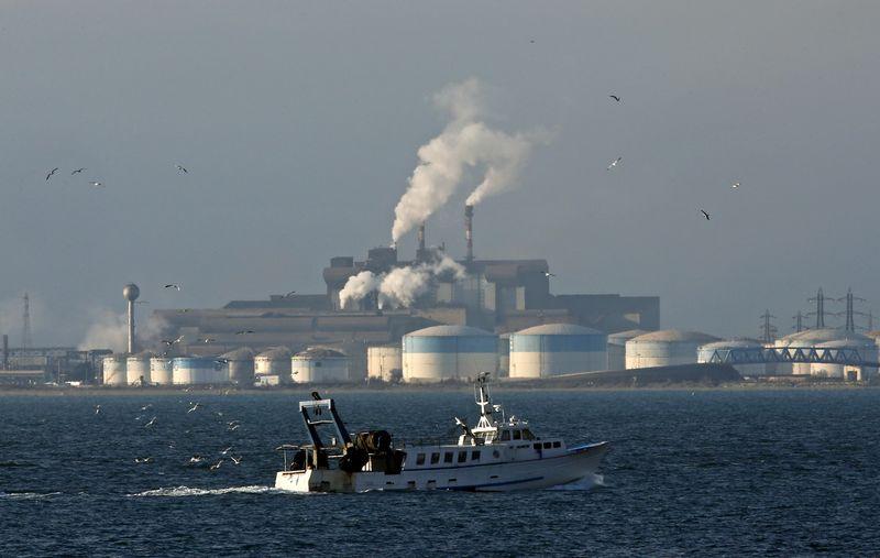 Petrol fiyatları yükseldi, Brent petrol 75 doları geçti