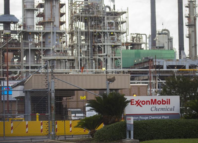 AMC Entertainment, Tesla ve Exxon yükseldi