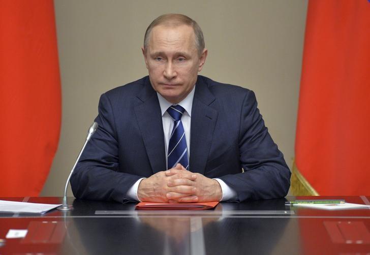 10 тыс. руб. на школьников выплатят на две недели раньше