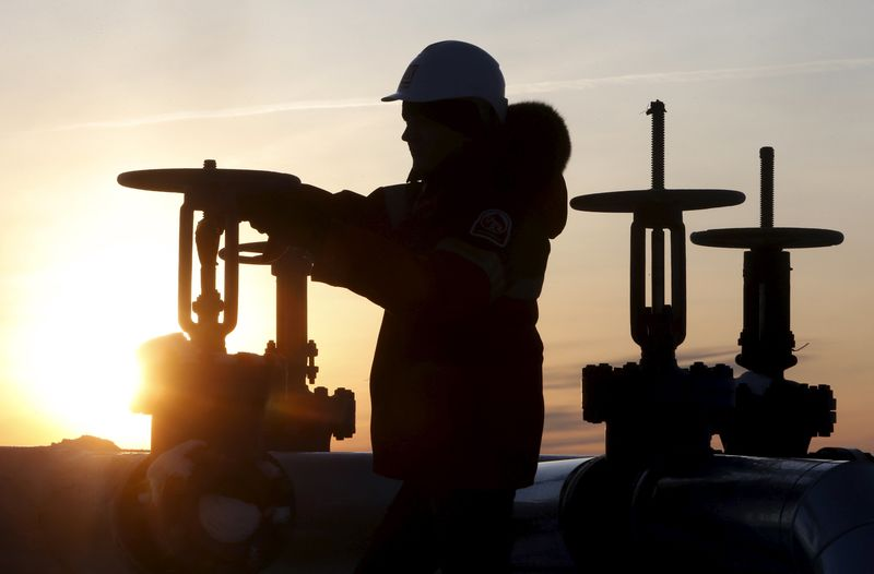 Нефть теряет в цене на ожиданиях ослабления спроса в КНР