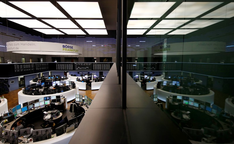 UPDATE 2-European shares gain, auto rally lifts Germany to record high