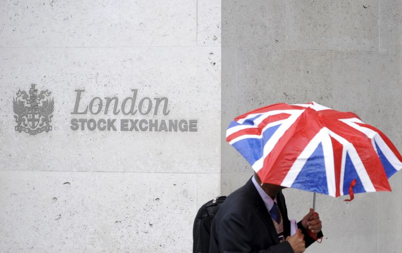 Airlines drag FTSE lower, GBP higher on Javid appointment