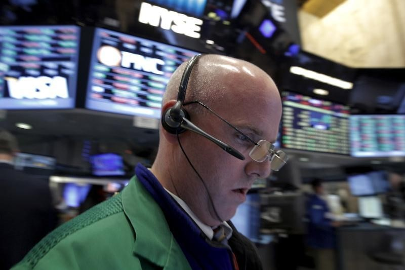 S&P 500 Ends Lower as China-led Global Growth Worries Persist; Fed Eyed