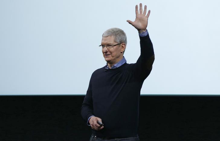 Тим Кук будет защищать App Store в суде