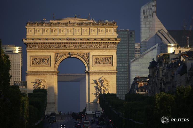 Avrupa borsaları yüksek, kazançlar ve Fransa'nın GSYH okuması destek oluyor