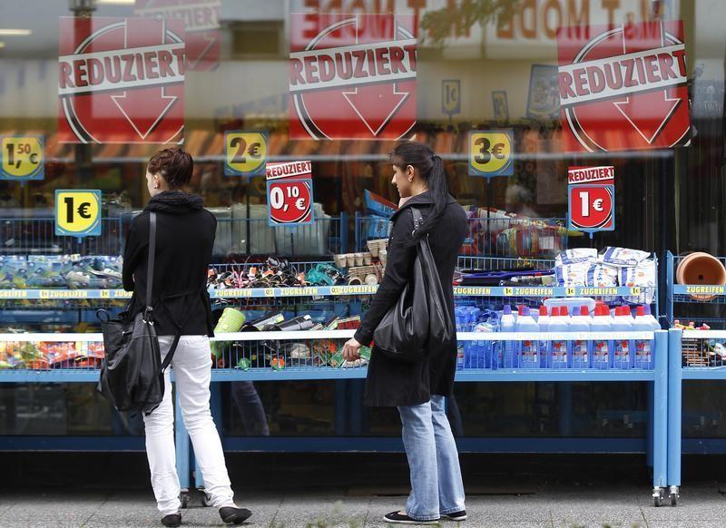 หุ้นยุโรปปรับตัวลง การโต้วาทีกดดันตลาดแม้ข้อมูลเศรษฐกิจออกมาดีขึ้น