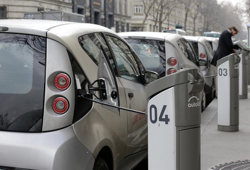 Vendas de veículos elétricos nos EUA mais do que dobram no 1º semestre de 2021