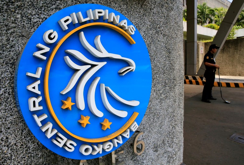 UPDATE 1-Philippine c.bank keeps rates steady, cites manageable inflation