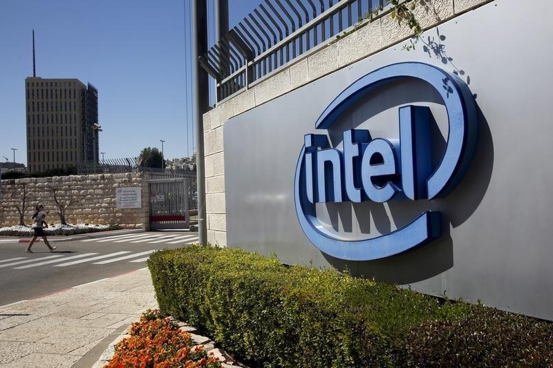 Intel будет бороться за лидерство