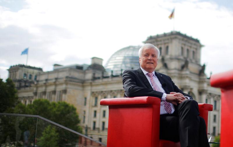 Seehofer unterstützt Schulze - CO2-Preis zwischen Mietern und Vermietern teilen