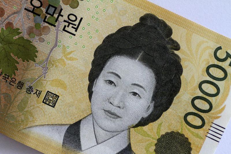 '위기의 징후' 환율 1200원 돌파...기업들도 달러 모은다 [김익환의 외환·금융 워치]