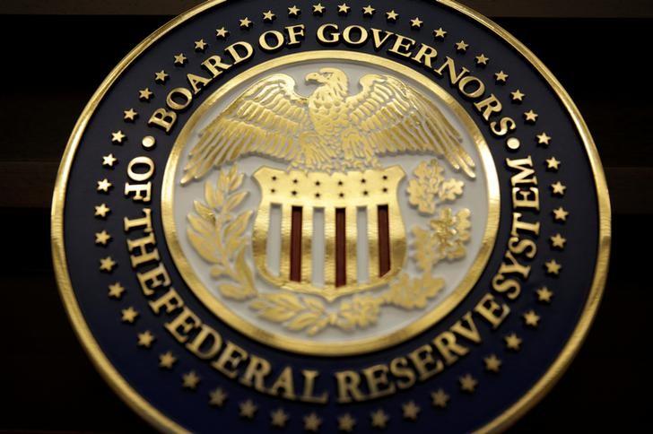 Ações caem nos mercados globais em meio a perspectivas sombrias do Fed