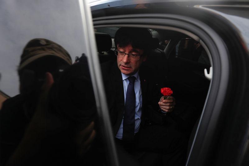 Puigdemont reitera que aplicará la ley que prevé una declaración de independencia