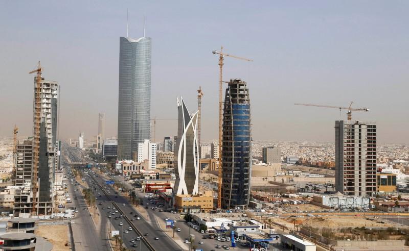 عاجل: قرار سعودي هام بشأن العمالة الوافدة، 1000 مهنة
