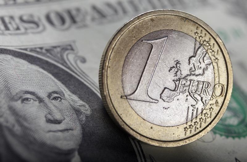 Moedas - Euro se aproxima de mínima de 2 anos e meio após novos dados sobre surto