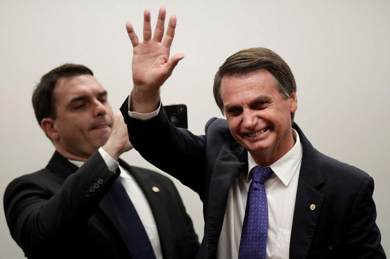 Três quartos dos brasileiros apoiam impeachment se Bolsonaro desobedecer Justiça, diz Datafolha