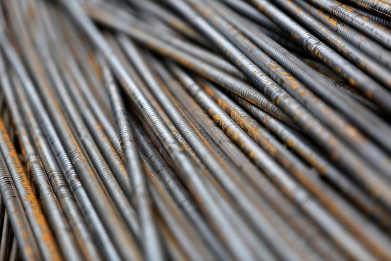 Futuros do minério de ferro encerram a terça-feira praticamente estáveis