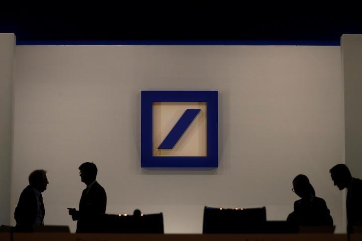 Suben las acciones europeas; cifras trimestrales de Deutsche Bank y Barclays Star