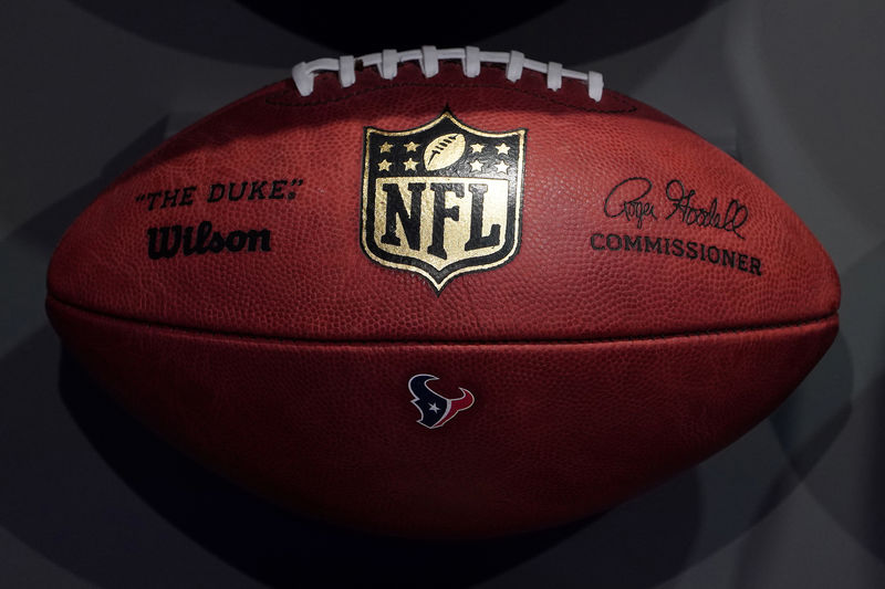 DraftKings, Caesars Gain On Sports Betting Deal with NFL