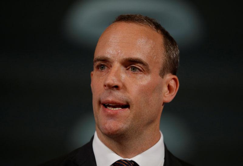 La libra, en mínimos tras la dimisión de Raab, ministro británico para el Brexit