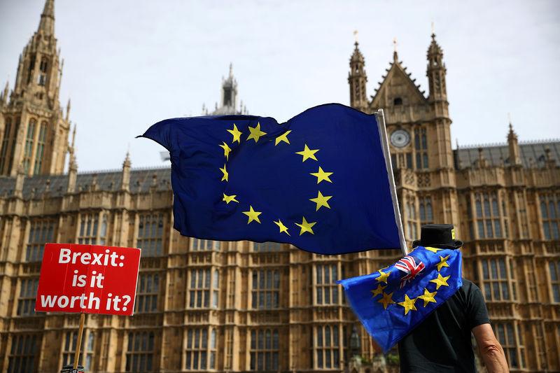 La svolta sulla Brexit incoraggia i mercati; tonfo di Adyen per la vendita