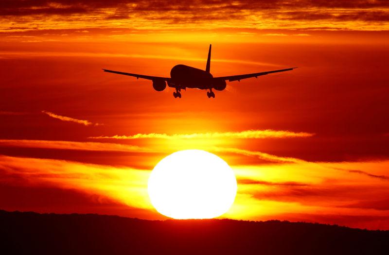 França reduz voos domésticos em nome do clima