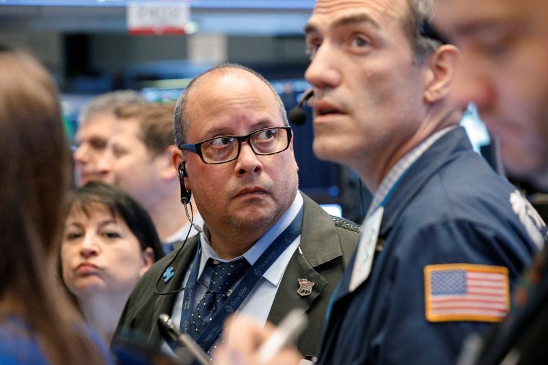 Wall Street cierra mixto y el Dow Jones baja un 0,15 % pendiente de la Fed