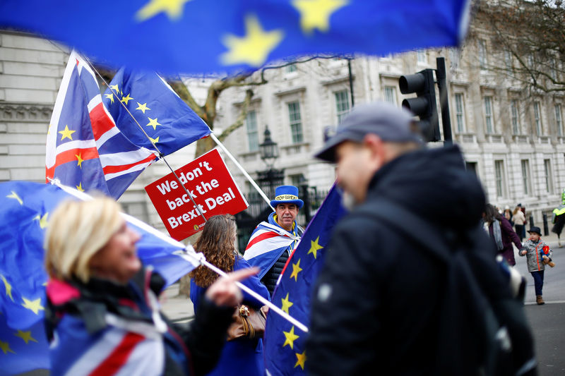 StockBeat: FTSE's Brexit Blues Likely to Drag on Into Next Year